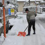 初雪に見舞われる=12月27日
