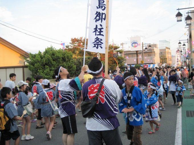小島区が誇る小島区育成会の若連です。今日は小島お祭り愛好会「コアラの会」も参加しました。
