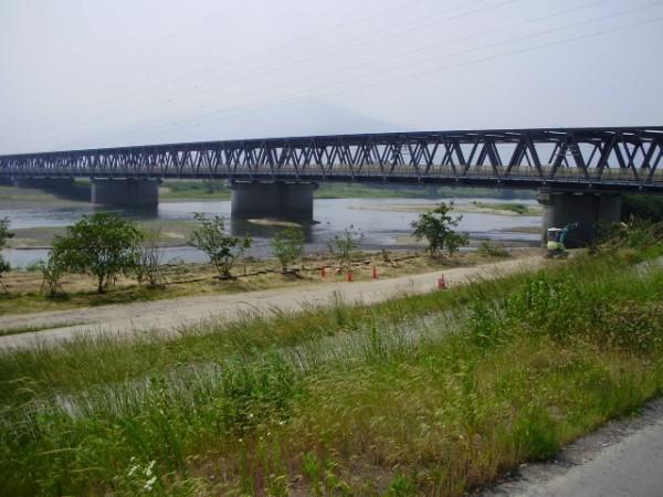 すっきりし橋がよく見えます
