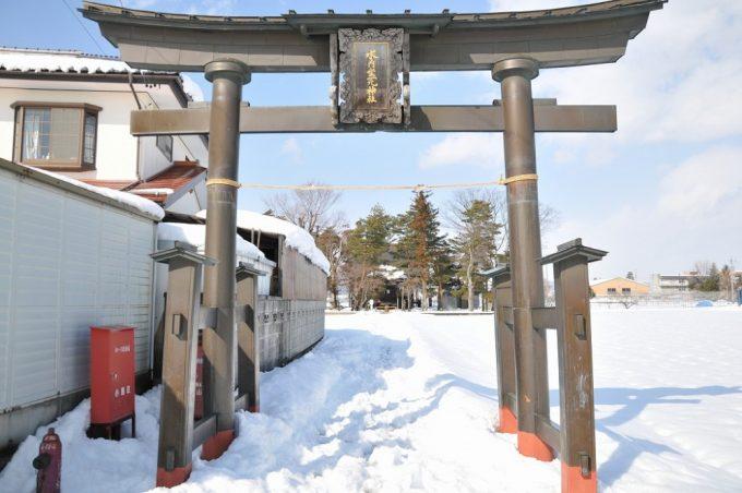 水内坐一元神社の旧大鳥居。(平成26年2月撮影)