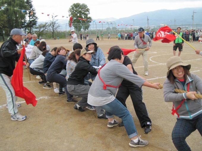 小島が村山に勝ちました