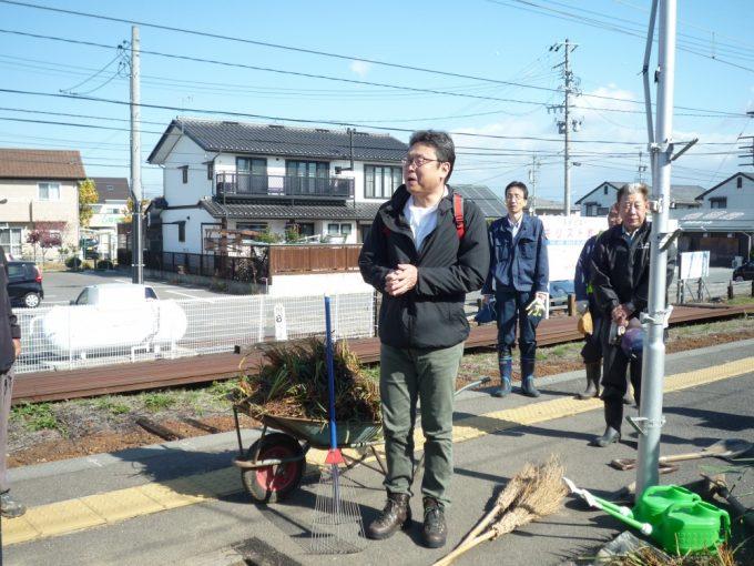 長野電鉄(株)井原鉄道事業部長からいっしょに「アヤメの里」をつくっていきたいとのご挨拶をいただきました