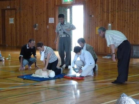 人工呼吸、AEDの取り扱い訓練 女性の勇姿、頼もしく感じました。