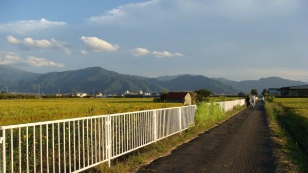遠くの山と空 すばらしい景色です