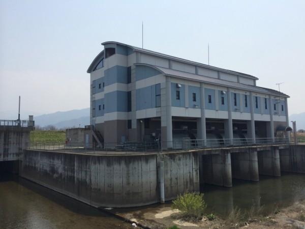 柳原排水機場