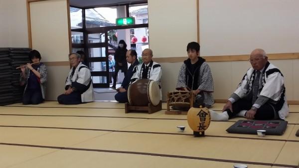 保存会お囃子、巡行前公会堂PM6:00~